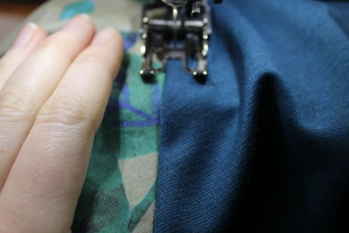 Topstitching your raglan dress sleeves