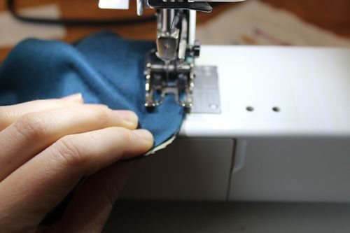 Stitching the layers of your raglan dress together 2