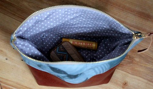 Picture Pouch Interior by brienne